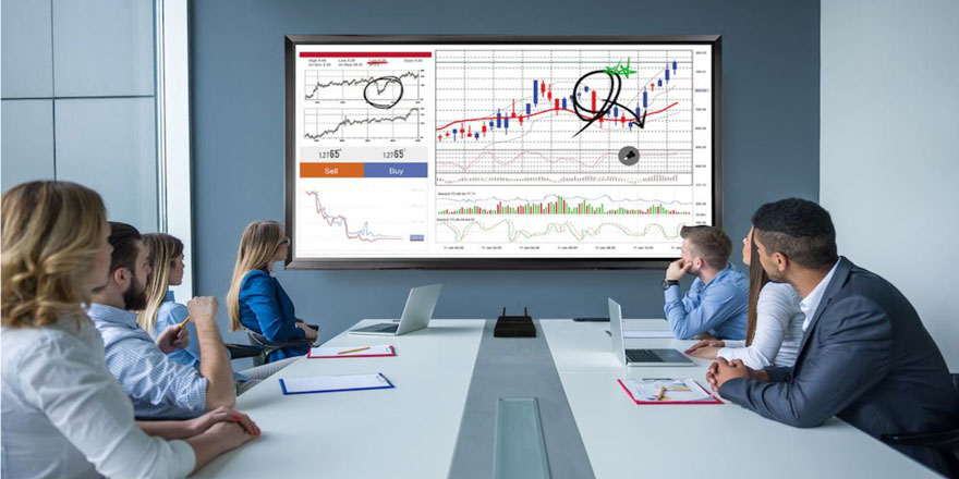 How Commercial Displays Are Improving the Financial Services Experience – Part 1